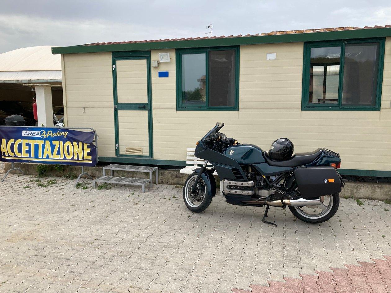 Parcheggio moto Fiumicino Aeroporto